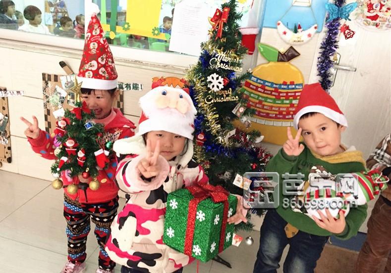 阳光双语幼儿园开展庆祝圣诞节主题活动